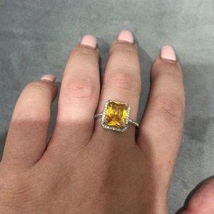 Jewelry - Beautiful ring!
